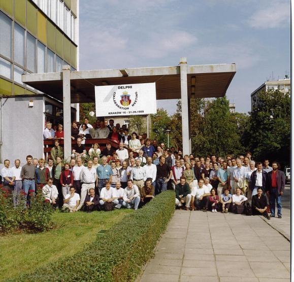 Uczestnicy zebrania współpracy DELPHI w Krakowie we wrześniu 1999 r.